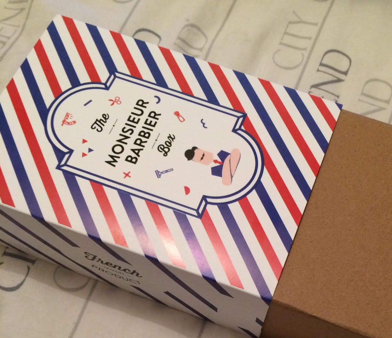Photo postée par Eléonore en PJ de son email. Quel Pack français !