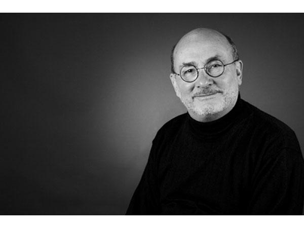 Jean-Claude Le Joliff, Président de la Cosmétothèque, et partenaire de Monsieur Barbier dans la création d'un Dictionnaire insolite du rasage.