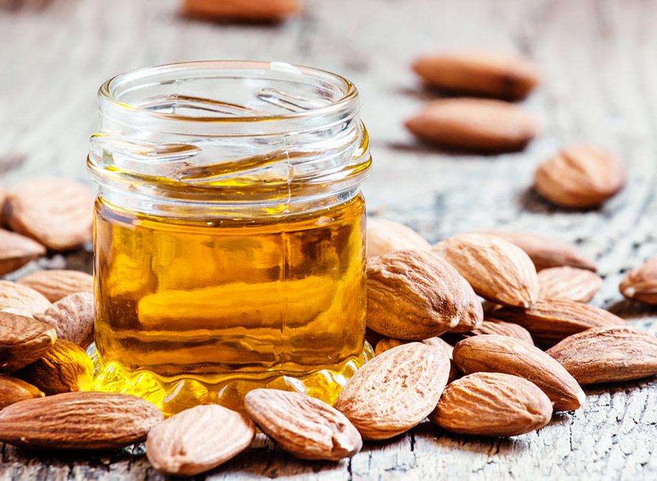 Peau sèche amande hydratation huile amande